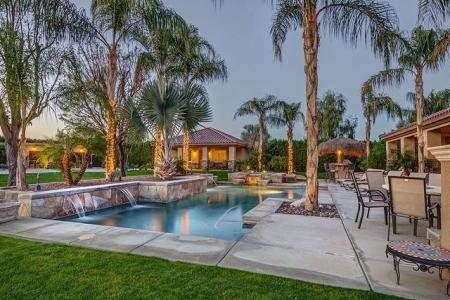Destination Large Palm Springs Vacation Homes